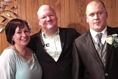 Burkhard Peine mit dem Brautpaar